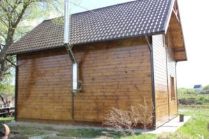 Будинок з дерева побудований в передмісті Києва